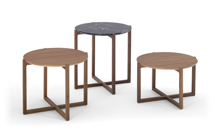 Mesa auxiliar en madera y mármol