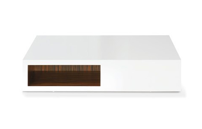 Mesa centro en madera y laca